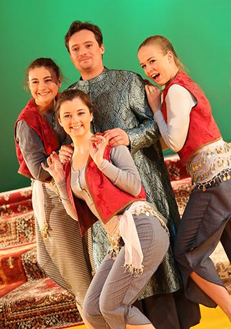 Die arabische Prinzessin Verena Moucka, Martha Matscheko, Klaus Dieter Paar, Esther Kothbauer © Reinhard Winkler