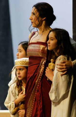 Das Rheingold Mitglieder des Kinder- und Jugendchores des Landestheaters Linz, Sonja Gornik © Karl und Monika Forster