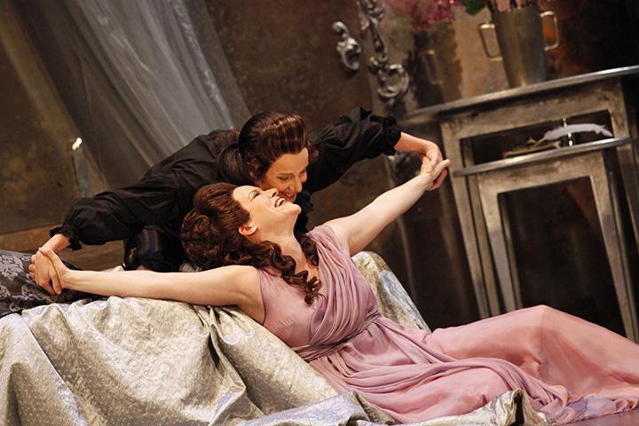 Der Rosenkavalier Astrid Weber, Valentina Kutzarova © Reinhard Winkler