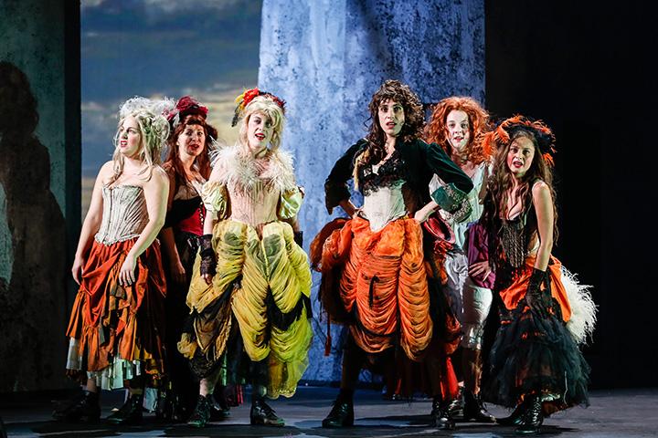 Les Misérables Ariana Schirasi-Fard, Barbara Obermeier, Jil Clesse, Suzana Novosel, Cindy Walther, Daniela Dett © Barbara Palffy