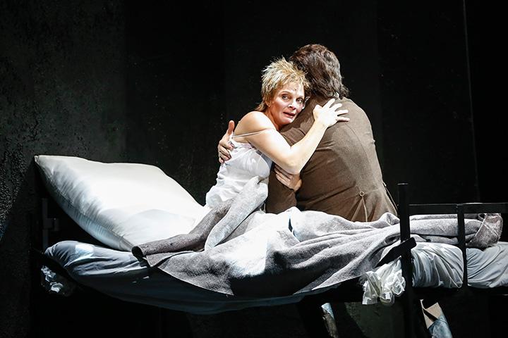 Les Misérables Kristin Hölck und Christian Alexander Müller © Barbara Palffy
