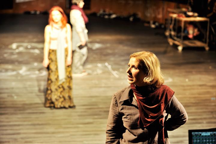 Verbrennungen Jenny Weichert, Anna Eger, Katharina Hofmann © Patrick Pfeiffer