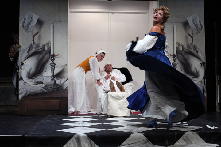 Der eingebildete Kranke Katharina Vötter, Vasilij Sotke, Katharina Hofmann © Christian Brachwitz