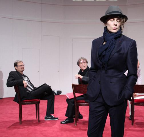 Der (eingebildete) Frauenfeind Lutz Zeidler, Helmut Berger, Anna Eger © Christian Brachwitz