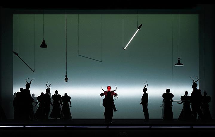 La Traviata Matthäus Schmidlechner, Opernchor © Olaf Struck