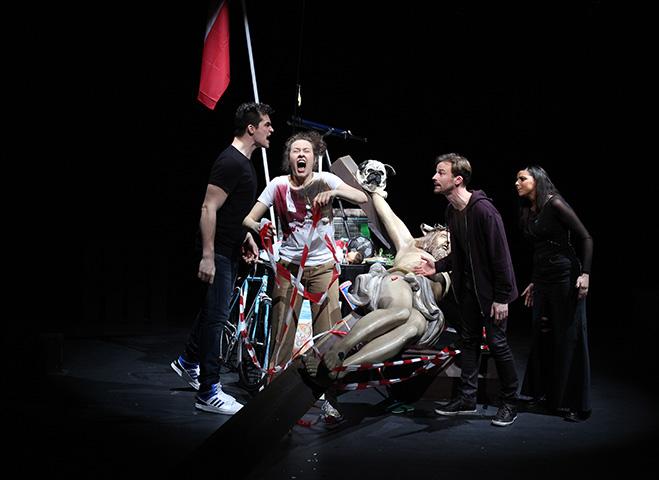 Nichts – Was im Leben wichtig ist Christopher Goetzie, Julia Carina Wachsmann, Matthias Hacker, Claudia Waldherr © Christian Brachwitz