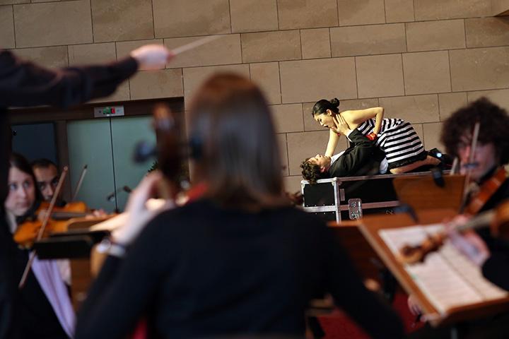 Der Operndirektor  Orchester, Richard Klein, Kie Kanazawa © Reinhard Winkler