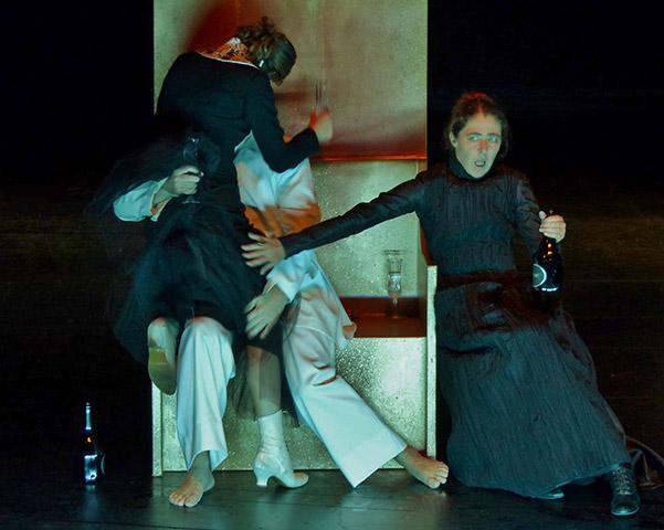 Familienfeste (1 + 2 + 3) - Gespenster Anna Eger, Peter Pertusini, Anne Bennent © Joseph Gallus Rittenberg