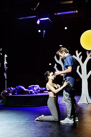 Ein Sommernachtstraum  Julia Ribbeck, Bastian Dulisch © Patrick Pfeiffer