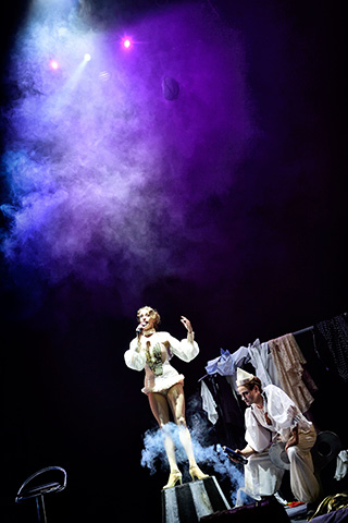Zirkus Pirandello Barbara Novotny, Aurel von Arx © Patrick Pfeiffer