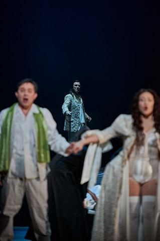 Don Giovanni  Martin Achrainer, Iurie Ciobanu, Myung Joo Lee © Thomas M. Jauk