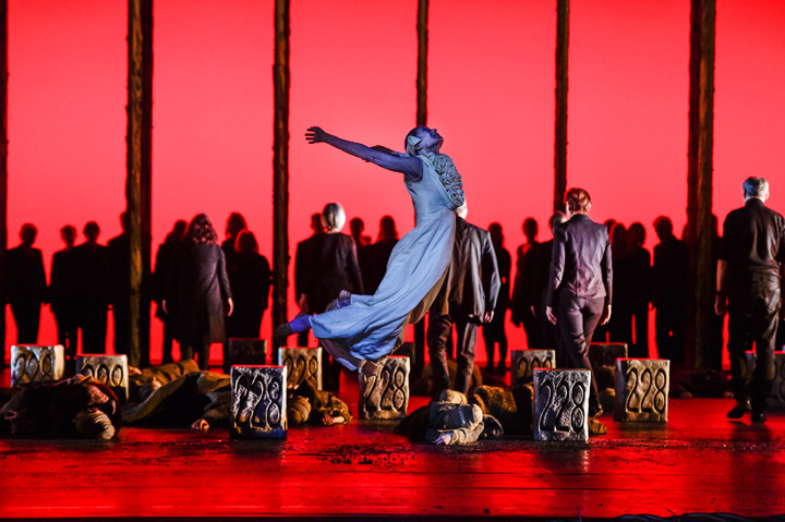 Die Brautschminkerin  Andressa Miyazato, Tanzensemble, Gäste Tanz Lin.z © Dieter Wuschanski