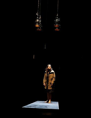 faust hat hunger und verschluckt sich an einer grete  Angela Waidmann © Christian Brachwitz