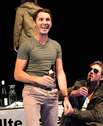 faust hat hunger und verschluckt sich an einer grete  Sven Mattke, Alexander Julian Meile © Christian Brachwitz