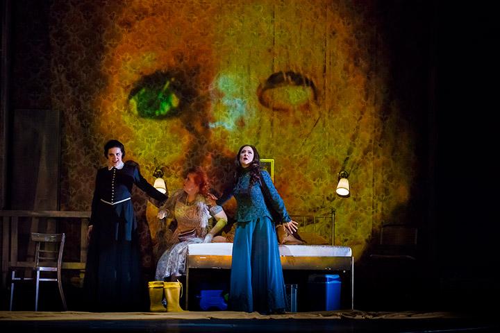Die Frau ohne Schatten  Katherine Lerner, Miina-Liisa Värelä, Brigitte Geller © Norbert Artner