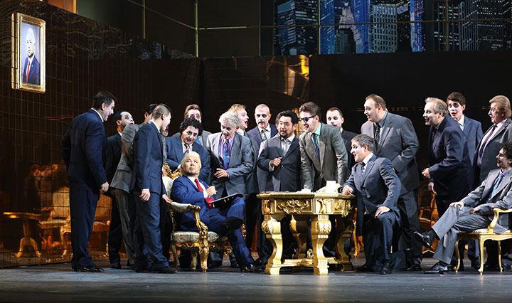 Rigoletto Hyojong Kim, Ensemble, Chor © Reinhard Winkler