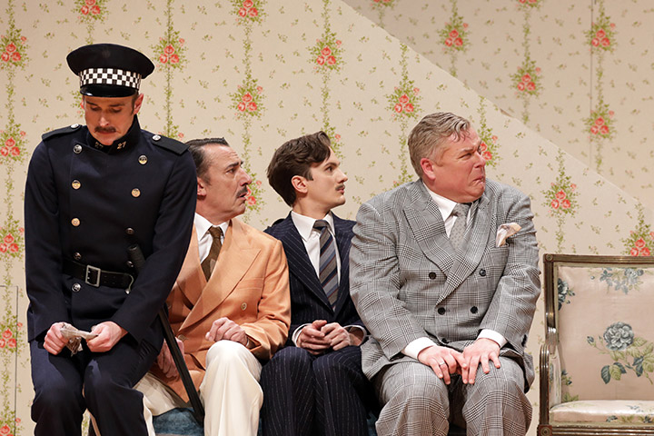 Betty Blue Eyes  Gernot Romic, Thorsten Tinney, Peter Lewys Preston, Jonathan Agar  © Reinhard Winkler