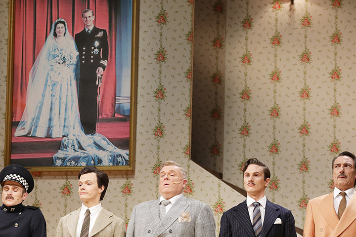 Betty Blue Eyes  Gernot Romic, Rob Pelzer, Jonathan Agar, Peter Lewys Preston, Thorsten Tinney © Reinhard Winkler