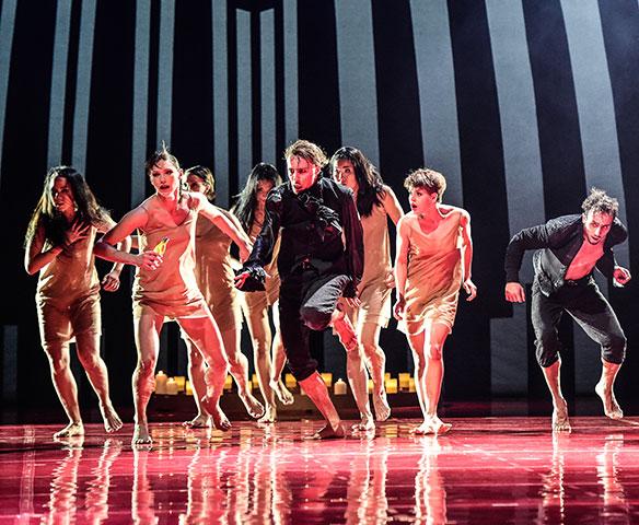 Romeo + Julia Ensemble © Dieter Wuschanski