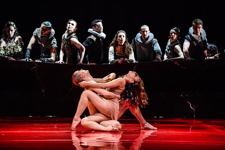 Romeo + Julia Urko Fernandez Marzana, Rie Akiyama, Ensemble © Dieter Wuschanski
