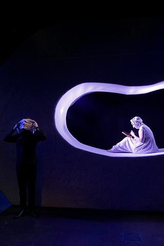 Unverhofftes Wiedersehen Justus Seeger, Julia Grüter © Yasmina Haddad
