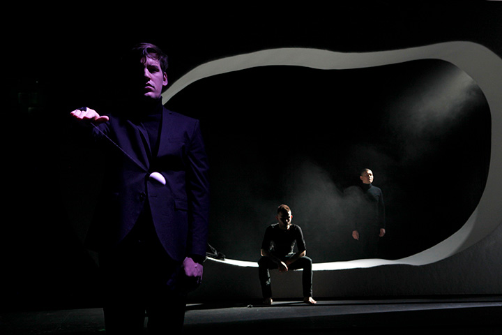 Unverhofftes Wiedersehen Justus Seeger, Paweł Żołądek, Xiaoke Hu © Yasmina Haddad