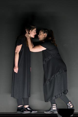 Antigone Ines Schiller, Angela Waidmann © Petra Moser