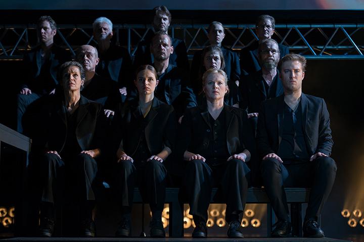 Antigone Chor © Petra Moser