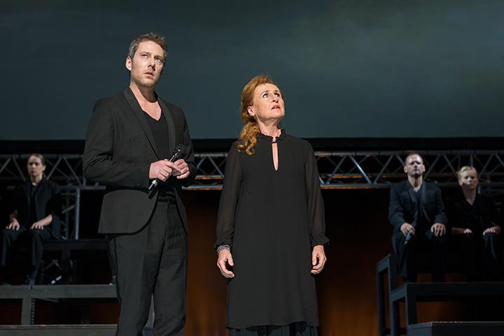 Antigone Alexander Julian Meile, Eva-Maria Aichner © Petra Moser