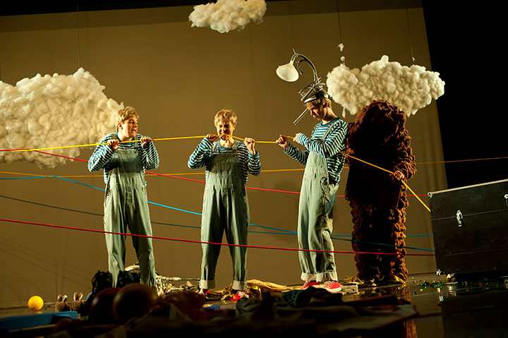Wunder des Alltags Christopher Schulzer, Anna Katharina Fleck, Steven Cloos, Alja Ferjan © Hermann Posch