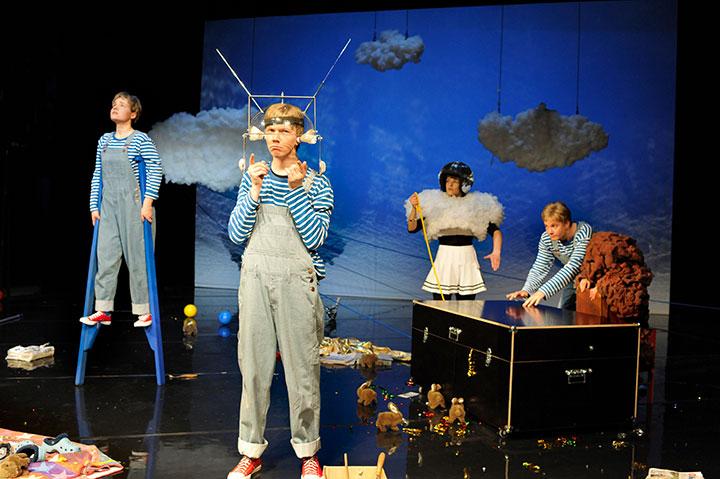 Wunder des Alltags Anna Katharina Fleck, Steven Cloos, Karina Pele, Christopher Schulzer, Alja Ferjan © Hermann Posch