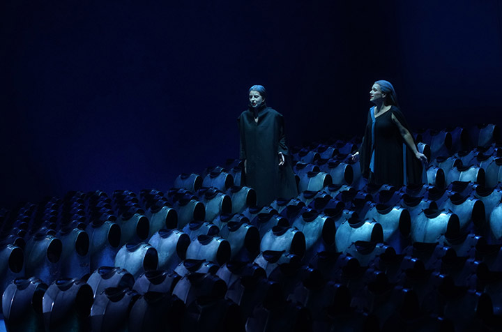 Tristan und Isolde Dshamilja Kaiser, Annemarie Kremer © Reinhard Winkler