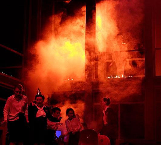Médée  Chor Landestheater Linz, Brigitte Geller  © Reinhard Winkler