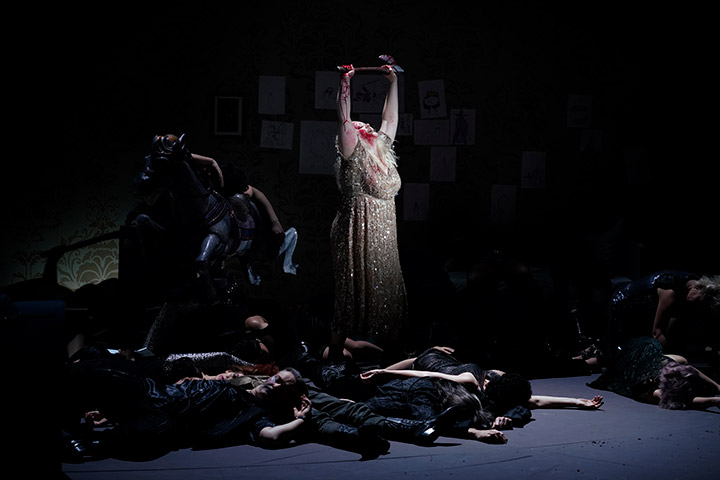 Elektra Miina Liisa Värelä, Chor Landestheater Linz © Reinhard Winkler