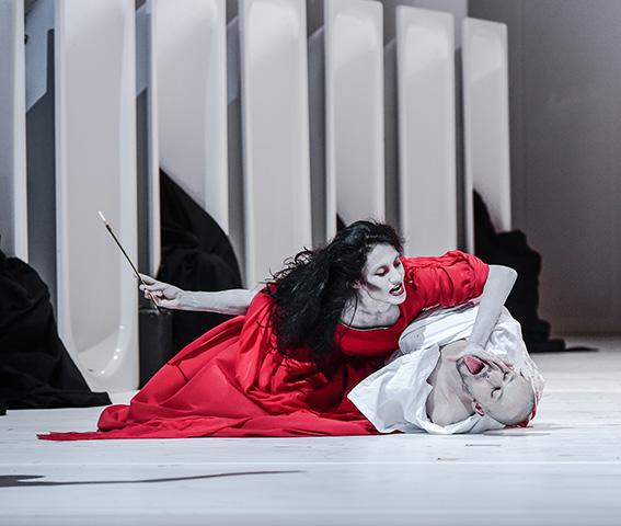 Macbeth  Andressa Miyazato, Pavel Povrazník © Dieter Wuschanski