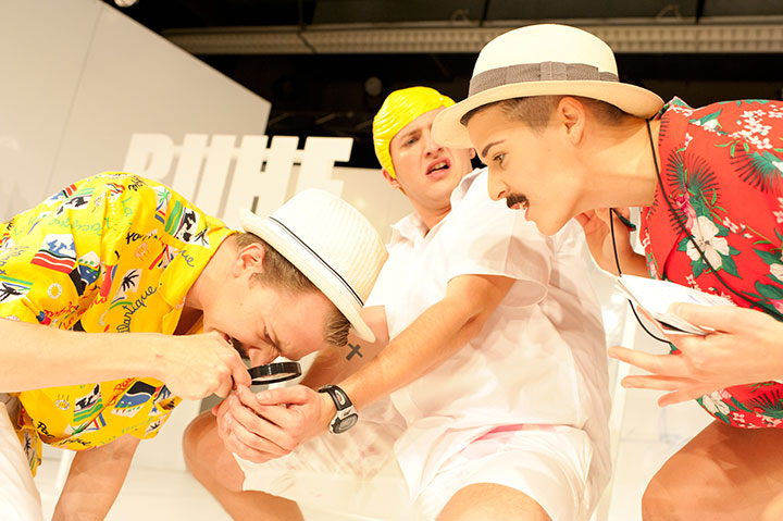 Frerk, du Zwerg!  Steven Cloos, Lukas Weiss, Karina Pele © Daniel Angermayr
