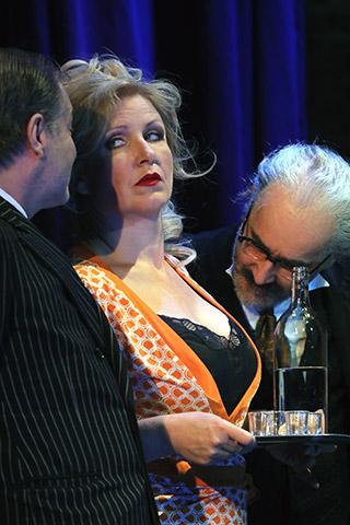 Balkanoperette  Lutz Zeidler, Katharina Hofmann, Sebastian Hufschmidt © Christian Brachwitz