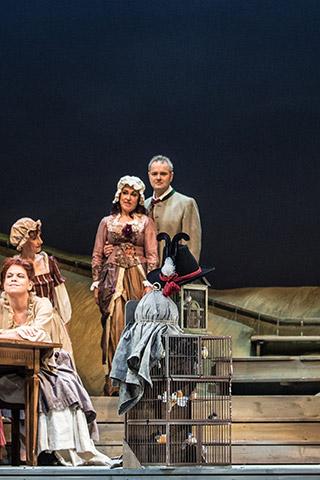 Der Vogelhändler Vogelkraxe, Chor Landestheater Linz © Sakher Almonem