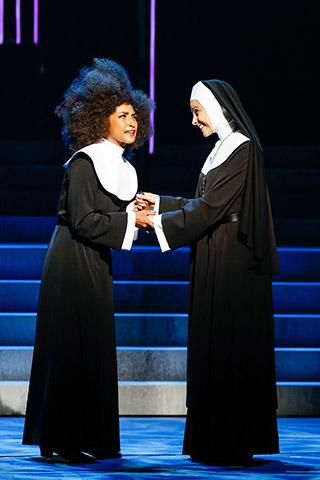 Sister Act  Tertia Botha, Daniela Dett  © Barbara Pálffy