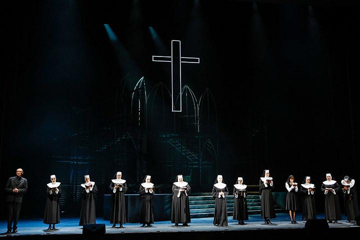 Sister Act  Ensemble © Barbara Pálffy