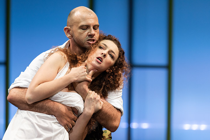 The Rape Of Lucretia Timothy Connor, Florence Losseau © Petra Moser