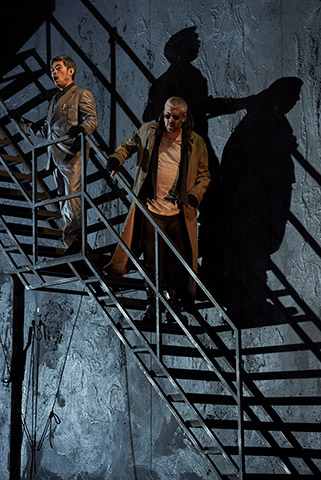 Fidelio | Twice through the heart Adam Kim, Dominik Nekel © Herwig Prammer
