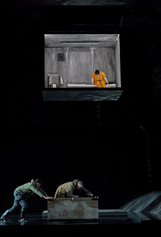 Fidelio | Twice through the heart Erica Eloff, Dominik Nekel, Katherine Lerner © Herwig Prammer
