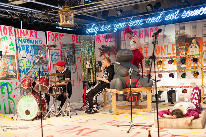 Binge Living  Ensemble © Petra Moser