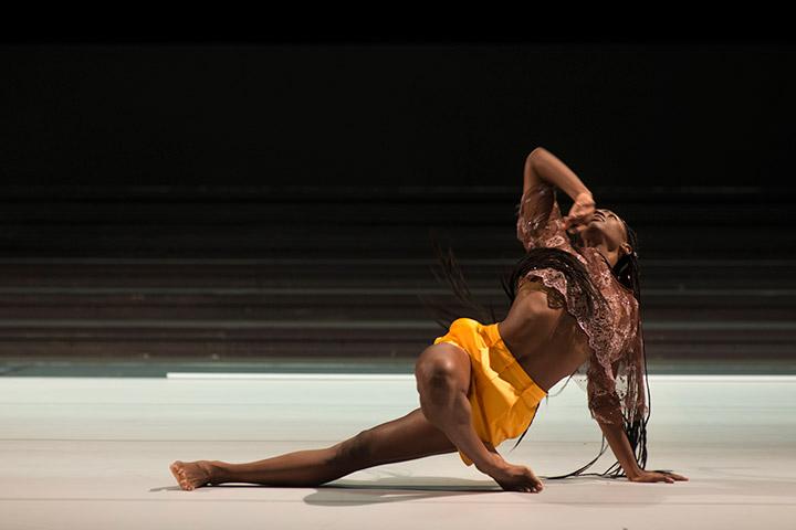 Bilder einer Ausstellung  Safira Santana Sacramento © Laurent Ziegler