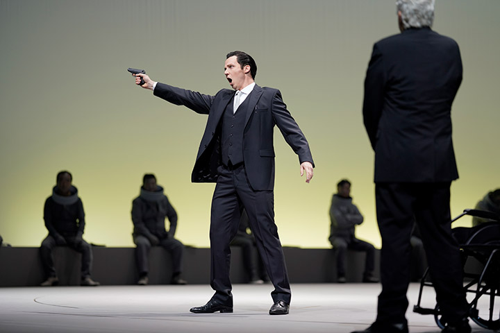 I Capuleti e i Montecchi  Mathias Frey, Dominik Nekel, Herrenchor © Reinhard Winkler