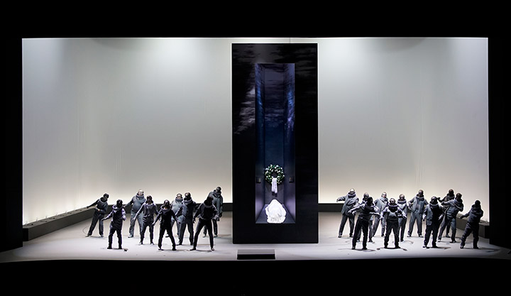 I Capuleti e i Montecchi  Herrenchor und Herrenextrachor © Reinhard Winkler