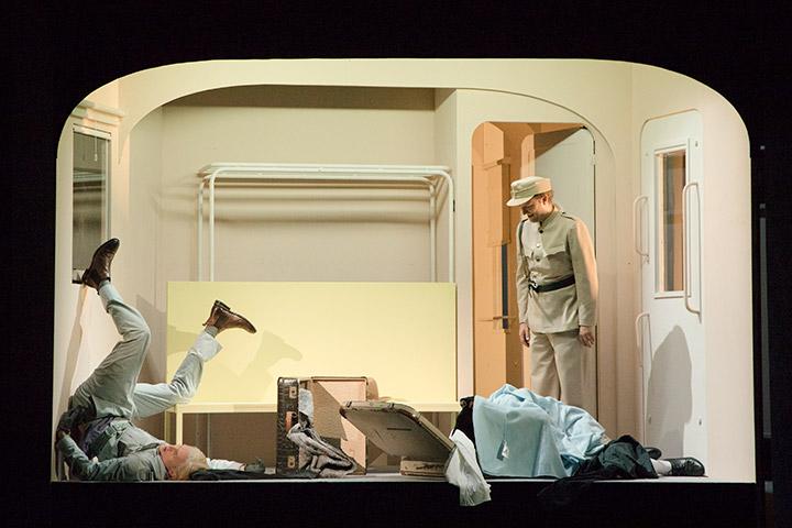 Die Abenteuer des braven Soldaten Schwejk Benedikt Steiner, Jan Nikolaus Cerha © Alfred Morina