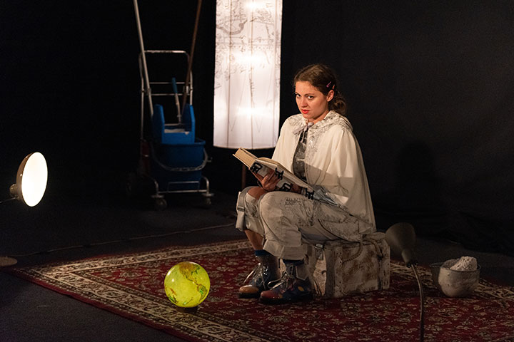 Jenny Hübner greift ein  Sophie Pint © Petra Moser